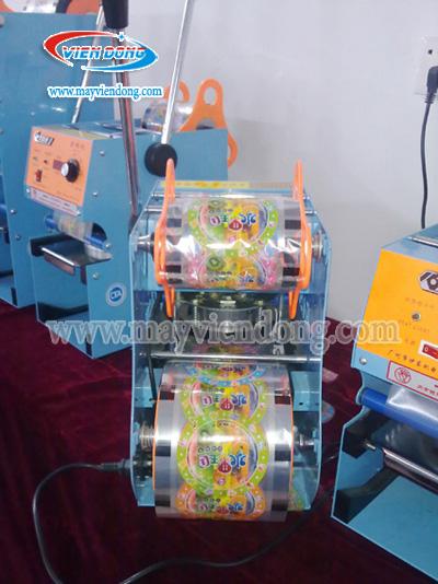 máy dán miệng ly