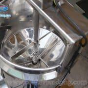 máy chiết rót và đóng nắp chai (3)