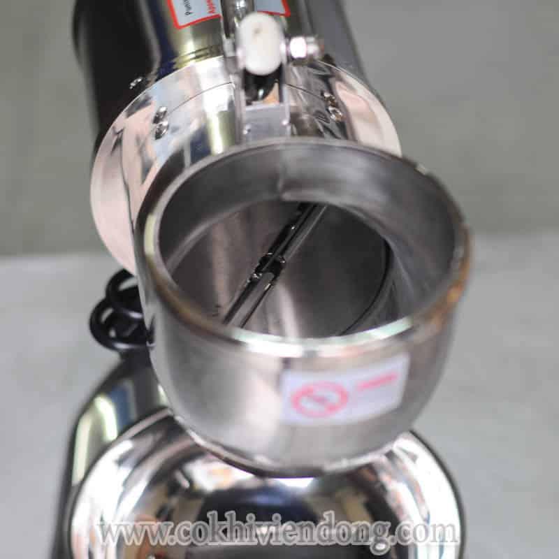 Chất liệu của SB114 làm toàn bằng inox