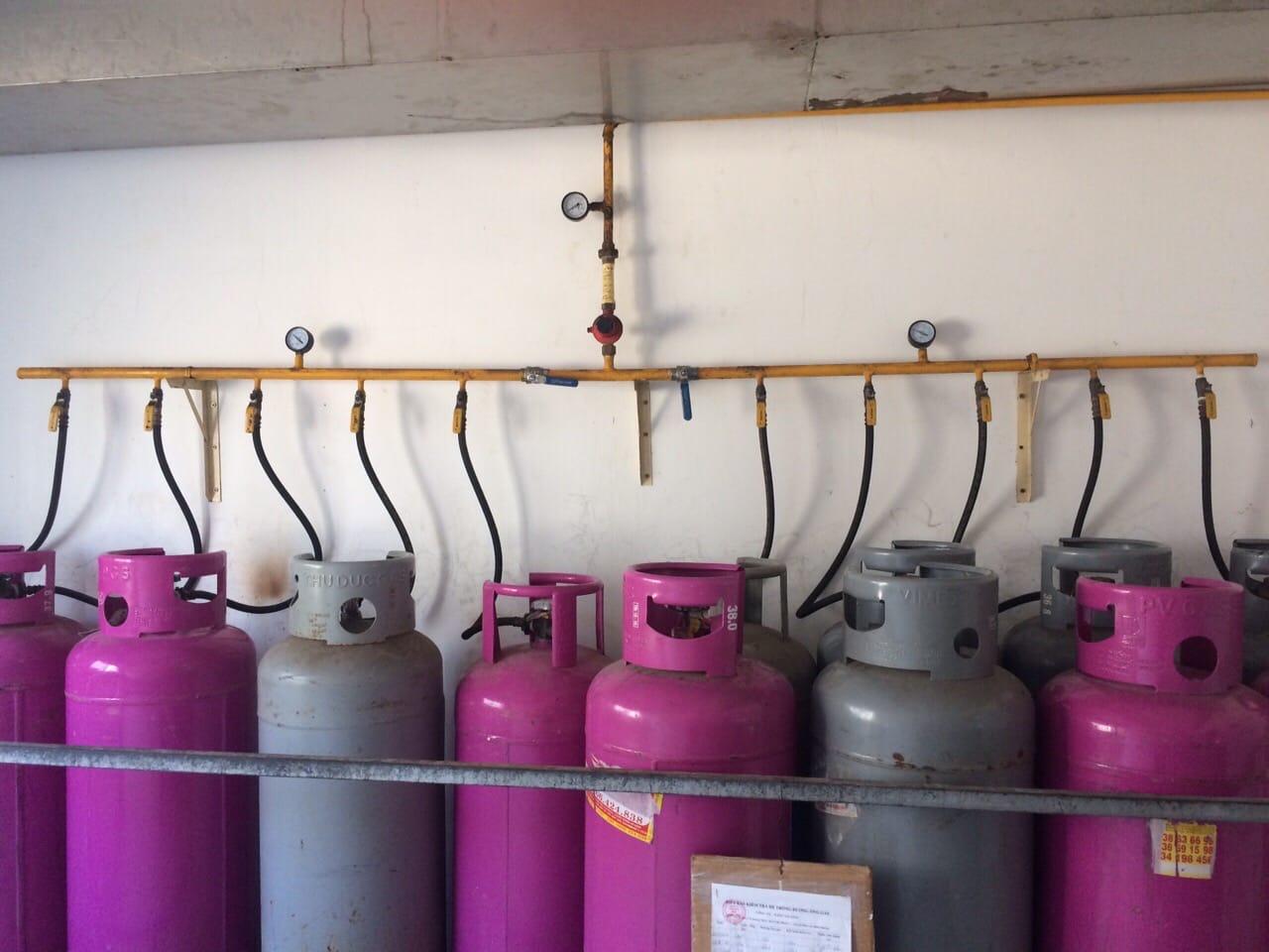 hệ thống van gas và dây dẫn